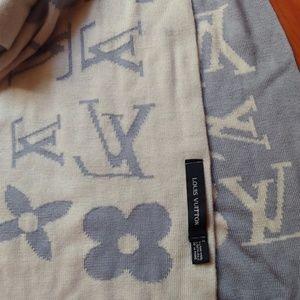 Louis Vuitton Vintage Scarf authentic